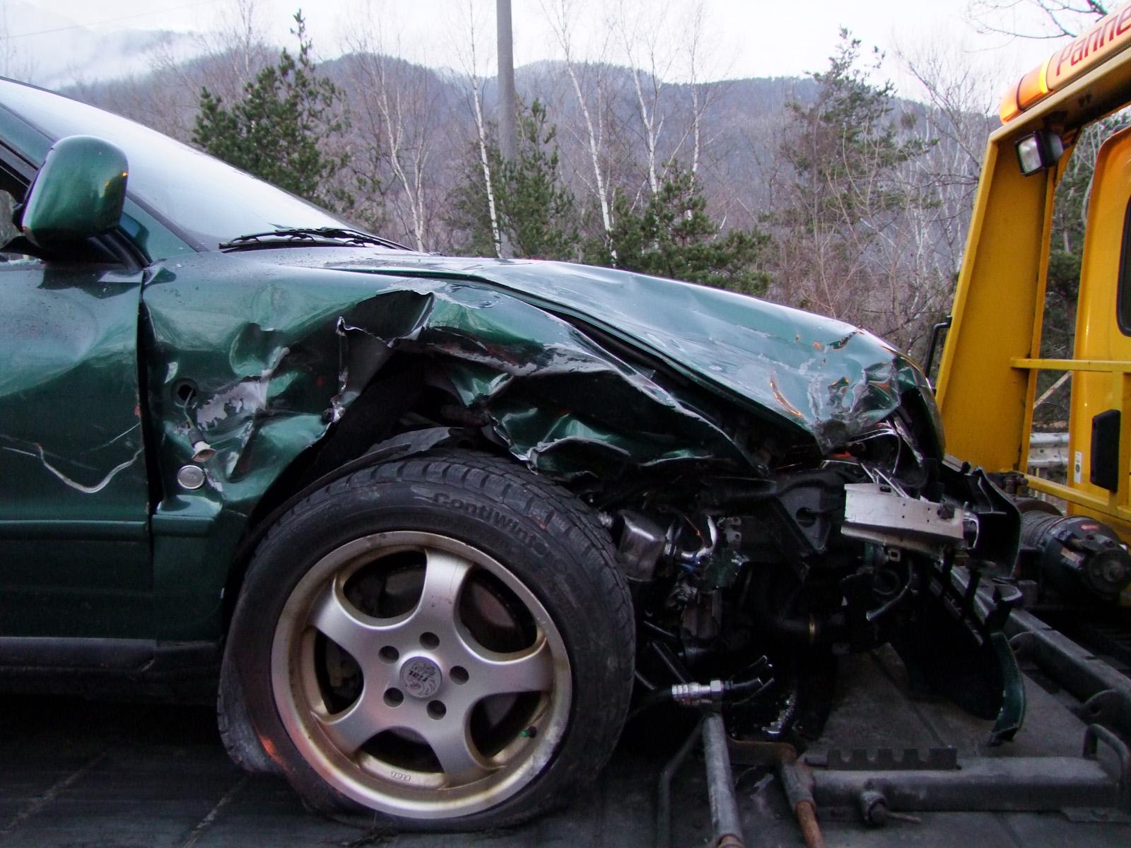 Unfall auf der A13 bei Trimmis (Polizeifoto: Kapo Graubünden)