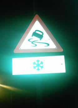 Die Kantonspolizei Graubünden berichtet über einen Schleuder-Unfall in Vaz / Obervaz (Archivfoto: Schlagwort AG)