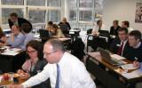Compliance-Spezialistinnen und -Spezialisten der Schweiz testen die Rechnersimulation auf Herz und Nieren.