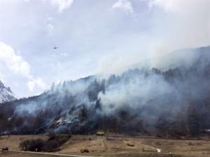 Flurbrand in Susch. (Bild: Kantonspolizei Graubünden)