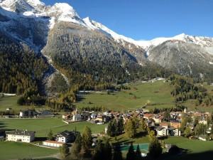 Neu findet die Preisverleihung im Wohnort, Wirkungsort oder Heimatort des Kulturpreisträgers statt. Dieses Mal hier in Bergün bei Domenic Janett.