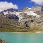 Der Lago Bianco beim Berninapass arbeitet zur Wasserfassung Puntaulta.
