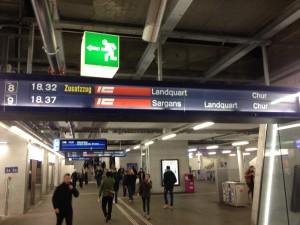 Es gibt eine zuäsztliche Schnellzugverbindung morgens zwischen Chur und Zürich (Archivfoto: Remo Maßat, RZ)